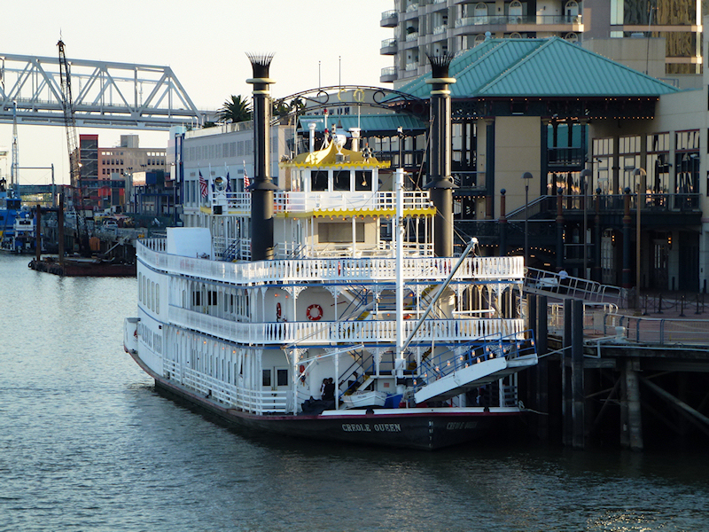 Riverboat 'Creole Queen'